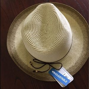NWT - ADJUSTABLE STRAW HAT